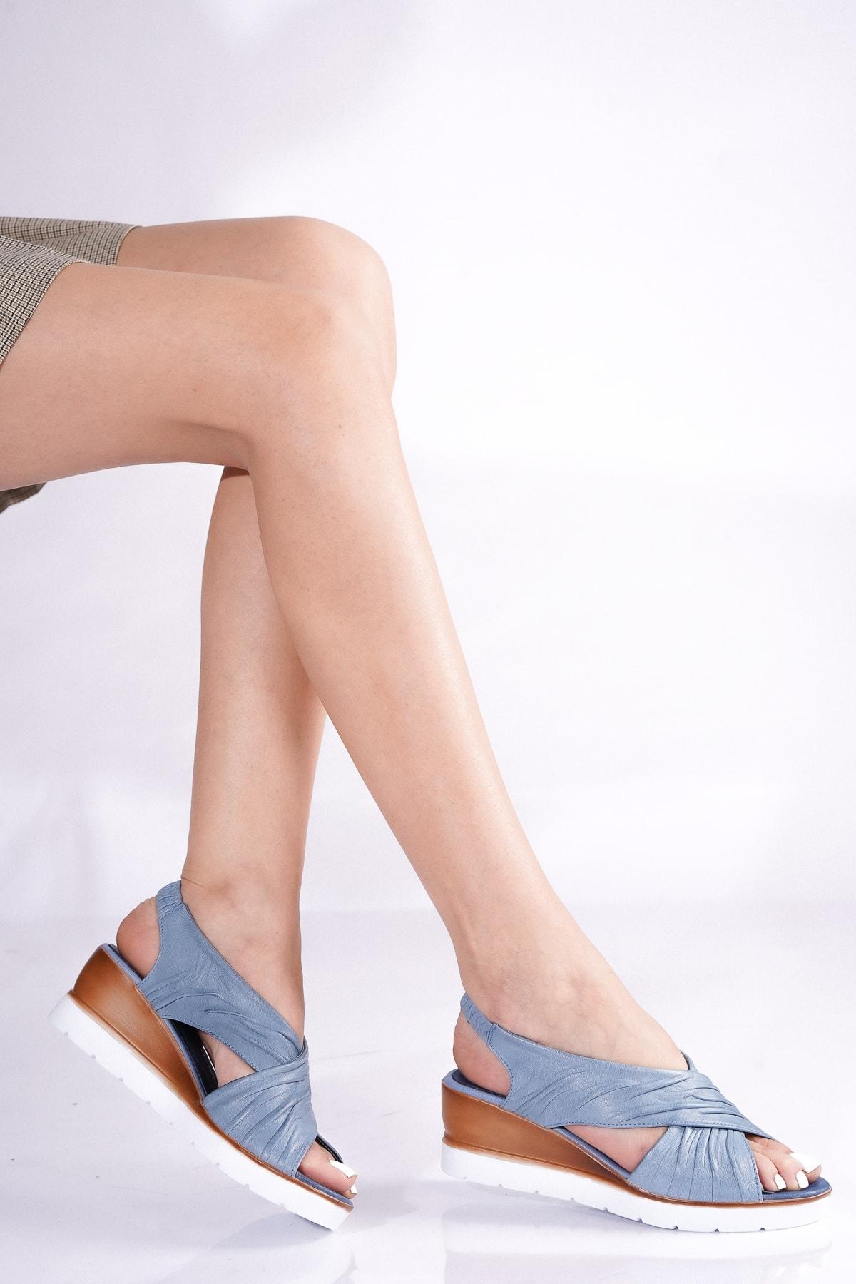 Kadın Mavi Hakiki Deri Dolgu Topuklu Sandalet Kp-2104