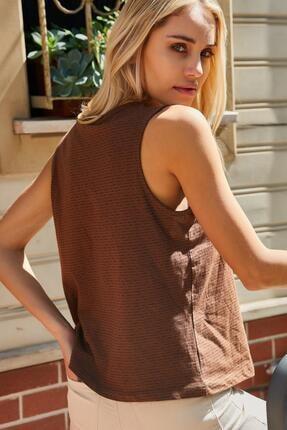 Roop Fabric Göğüs Detaylı Sıfır Kol Bluz Kahverengi 4