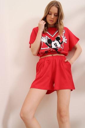 Trend Alaçatı Stili Kadın Kırmızı Baskılı Beli Lastikli Crop Top Ve Şort Alt Üst Takım MDA-1203 1