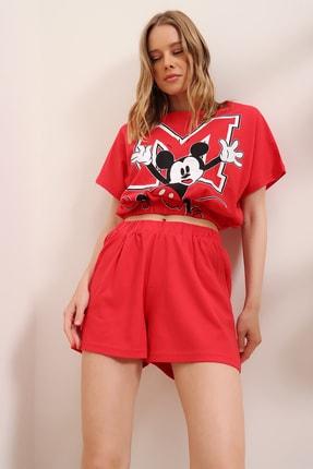 Trend Alaçatı Stili Kadın Kırmızı Baskılı Beli Lastikli Crop Top Ve Şort Alt Üst Takım MDA-1203 3