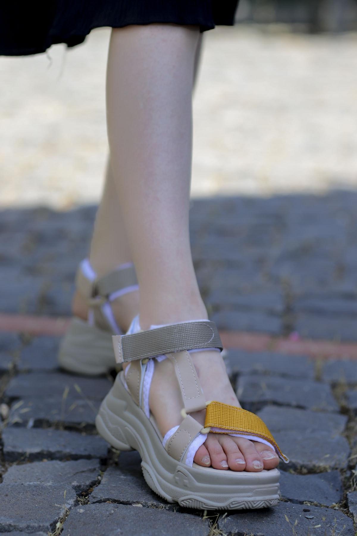 Dolgu Taban Sandalet