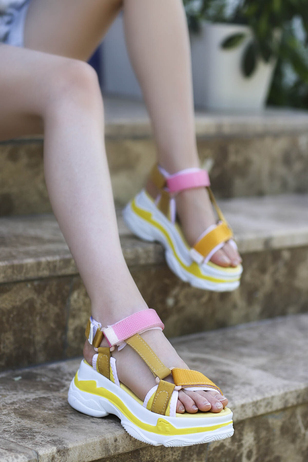 Rafael Dolgu Taban Sandalet Sarı Pembe