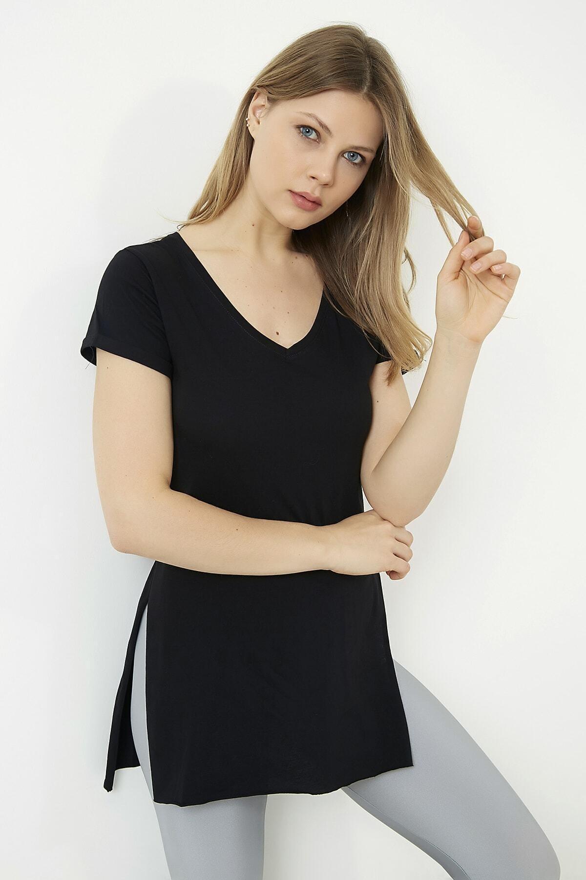 Kadın Siyah V-yaka Yarasa Kol Basic T-shirt
