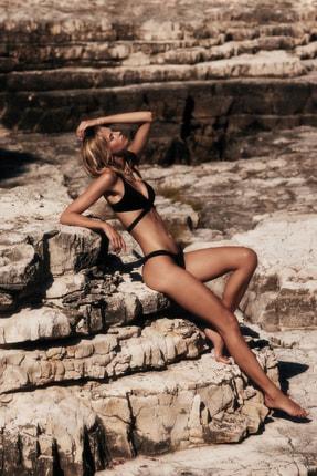 MOEVA X Trendyolmilla Siyah Tül Detaylı Bikini Takımı TBESS21BT0050