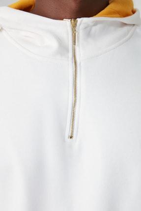 TRENDYOL MAN Ekru Erkek Kapüşonlu Yarım Fermuarlı Yeni Sweatshirt TMNAW20SW0507 4