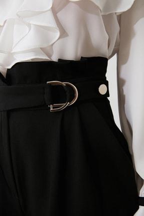 TRENDYOLMİLLA Siyah Toka Detaylı Pantolon TWOAW20PL0466 3