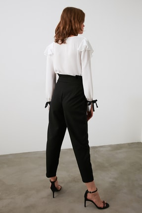 TRENDYOLMİLLA Siyah Toka Detaylı Pantolon TWOAW20PL0466 4