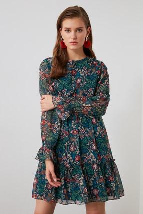 TRENDYOLMİLLA Çok Renkli Desenli Volanlı Elbise TWOAW21EL1780 1