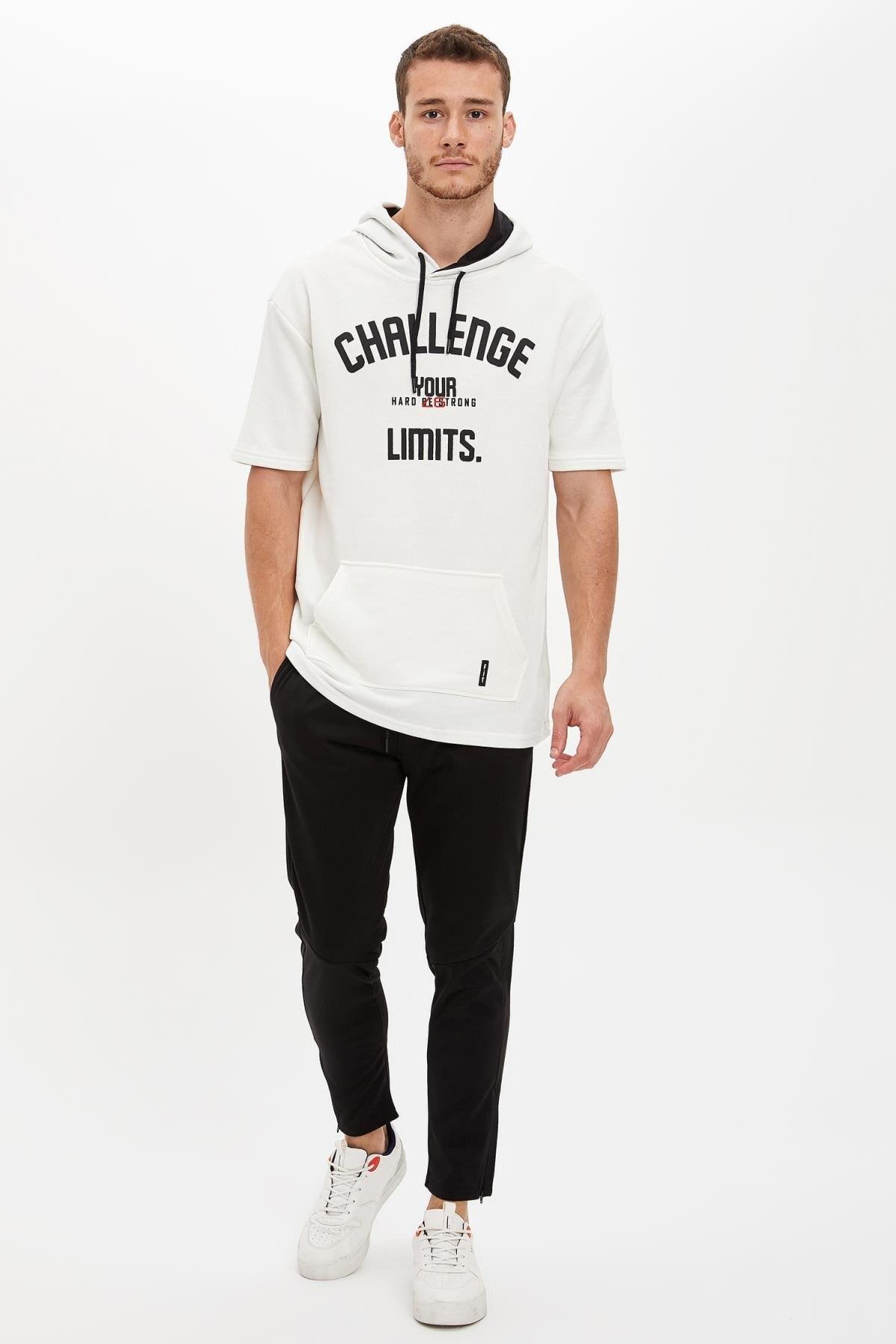 Defacto Kapüşonlu Kısa Kollu Regular Fit Sporcu Tişört 1