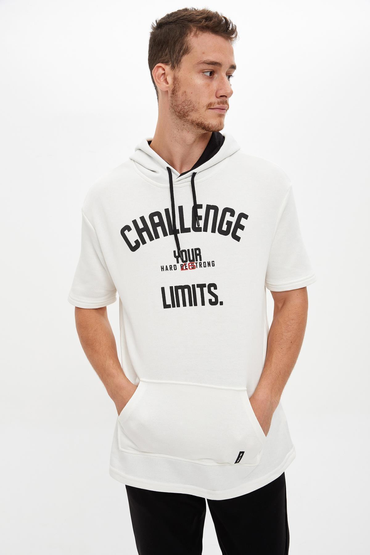 Defacto Kapüşonlu Kısa Kollu Regular Fit Sporcu Tişört 4