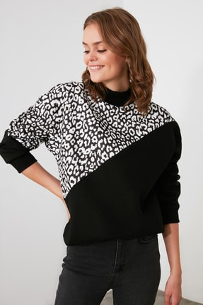 TRENDYOLMİLLA Siyah Leopar Desenli Dik Yaka Örme Sweatshirt TWOAW21SW0823 2