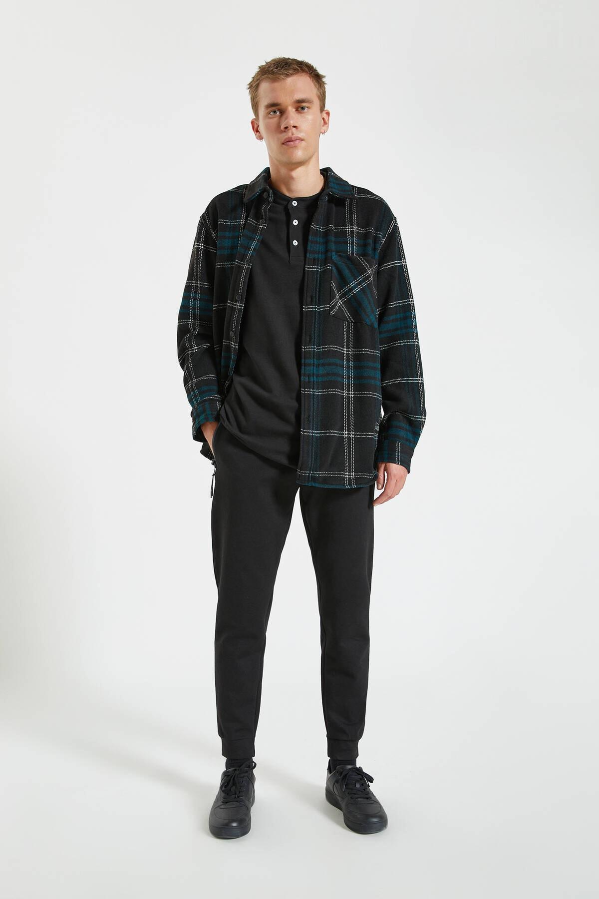 Pull & Bear Erkek Siyah Kontrast Fermuarlı Jogging Fit Pantolon 09678525 0