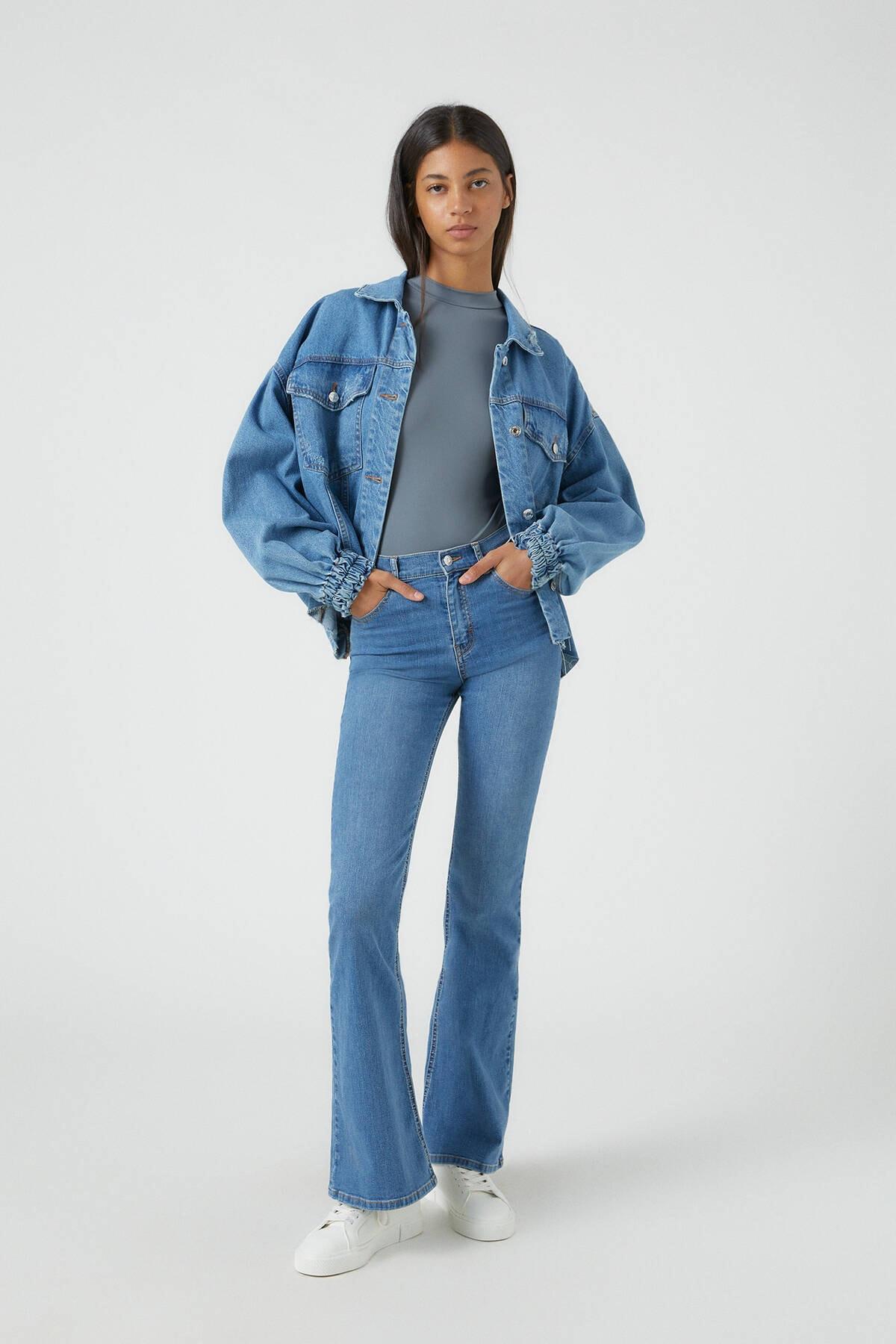Pull & Bear Kadın Orta Mavi Basic İspanyol Paça Jean 09683303 0