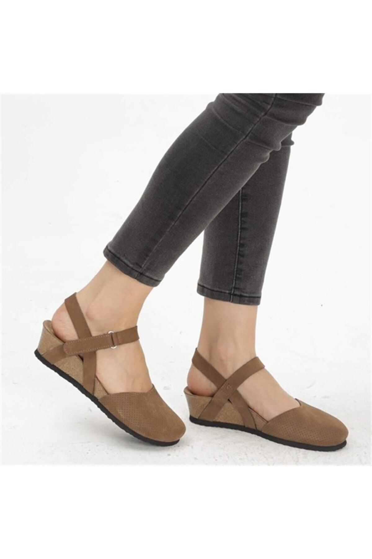 Kadın Kum Hakiki Deri Peıge Sandalet