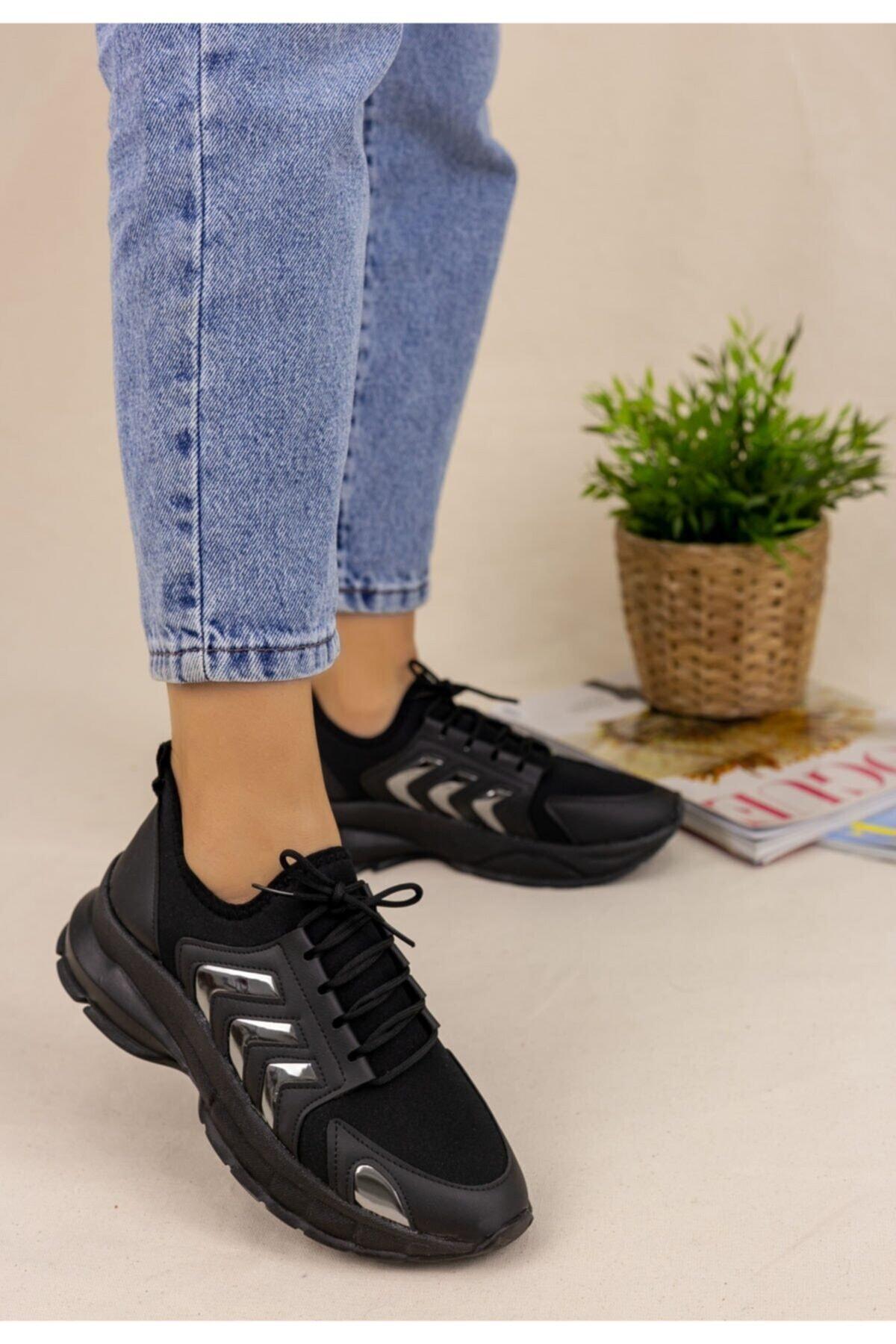 Erbilden Kadın Siyah Cilt Platin Şeritli Spor Ayakkabı