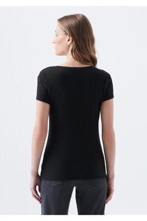 Mavi V Yaka Siyah Basic Tişört 3