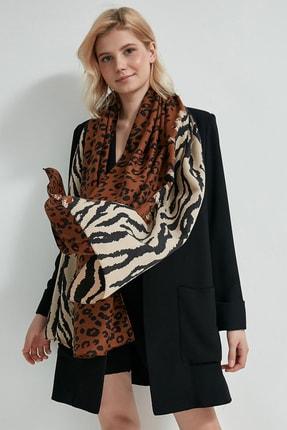 Y-London Kadın Kahverengi Leopar Zebra Desenli Şal 13130 1