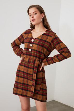 TRENDYOLMİLLA Çok Renkli Kuşaklı Kareli Elbise TWOAW21EL1752 2