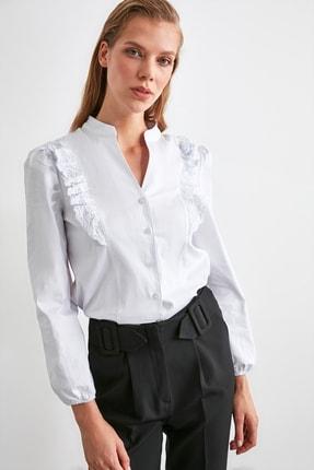 TRENDYOLMİLLA Beyaz İşleme Detaylı Gömlek TWOSS20GO0044 1