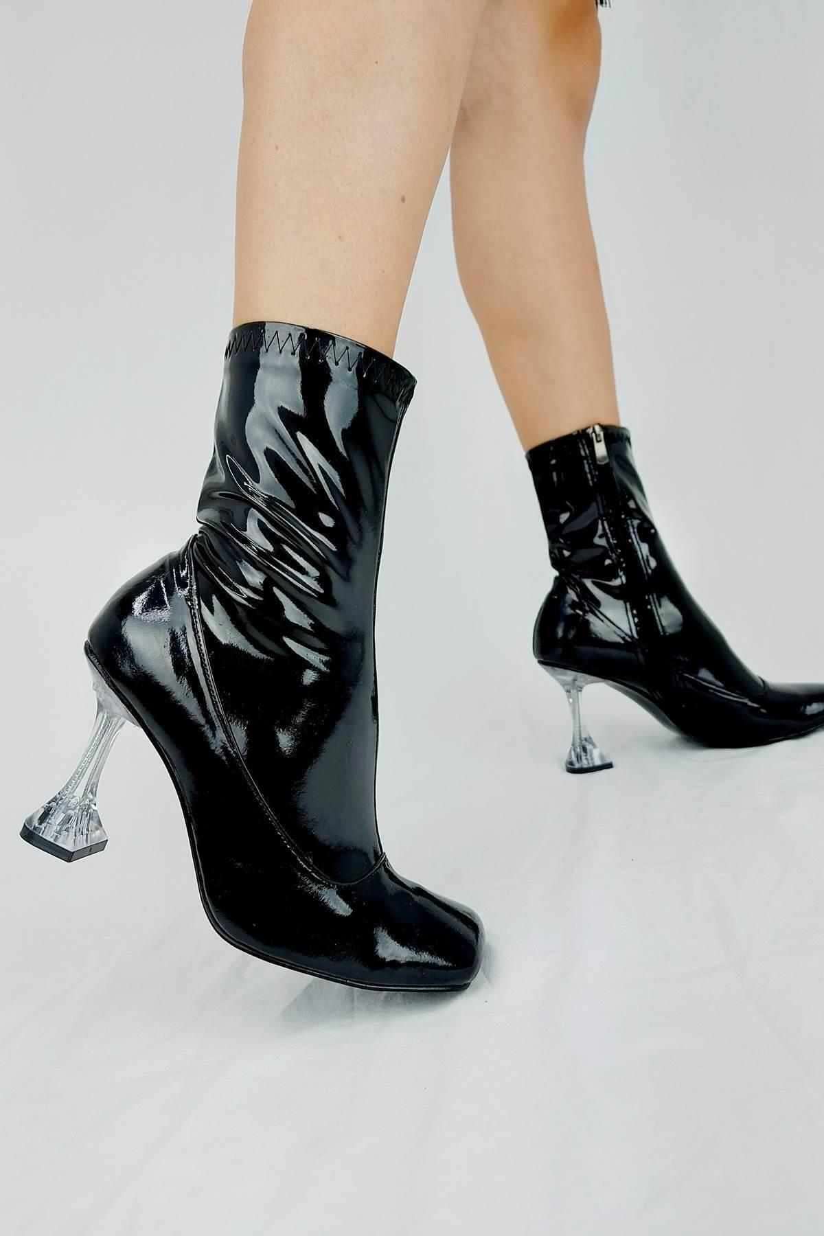 Ayakkabı Ateşi Kadın Siyah Rugan Topuklu Bot