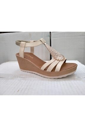 Akça Ortapedik Krem Rengi Topuklu Sandalet Y
