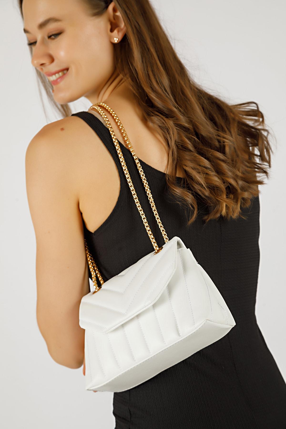 Kadın Beyaz Nakışlı Mini Gissle Çanta
