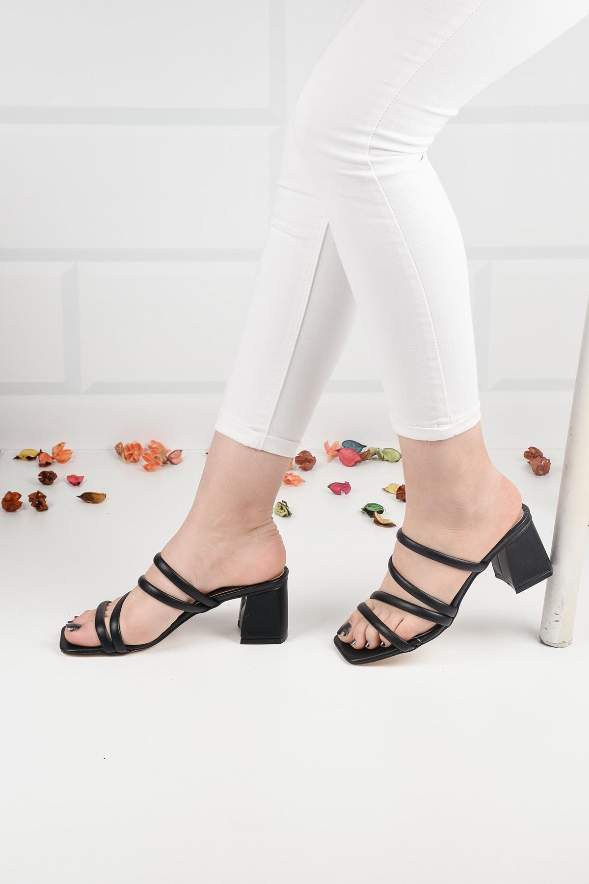 Kadın Siyah Deri Topuklu Terlik Sandalet Ba20888