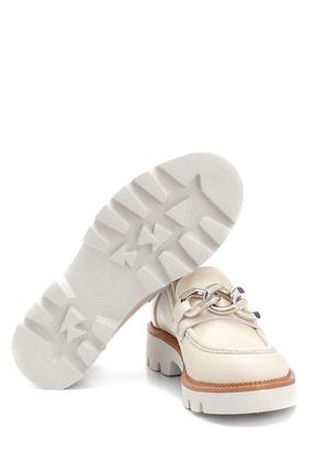 Derimod Kadın Bej Deri Zincir Detaylı Loafer 4