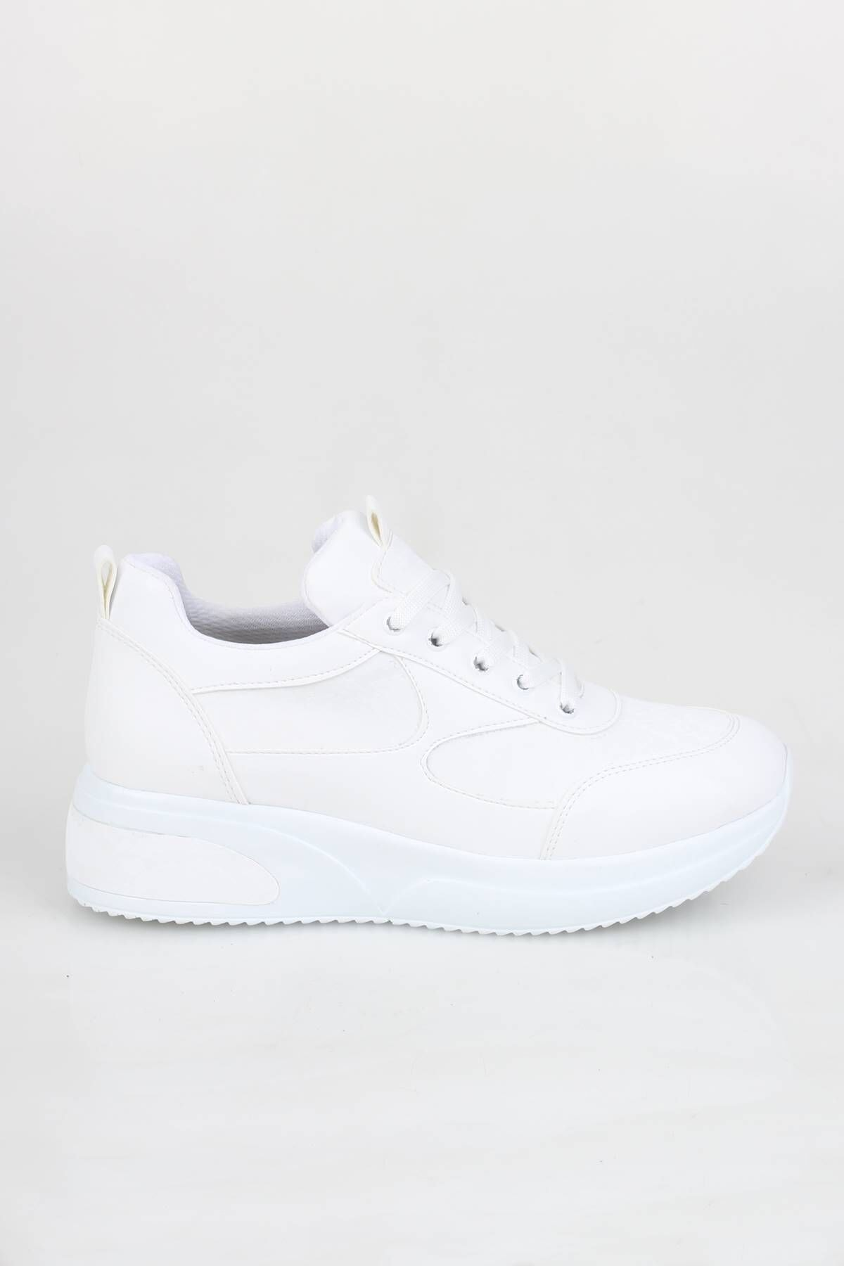 Dolgu Topuklu Beyaz Sneaker Baskılı Spor Ayakkabı - Mildy