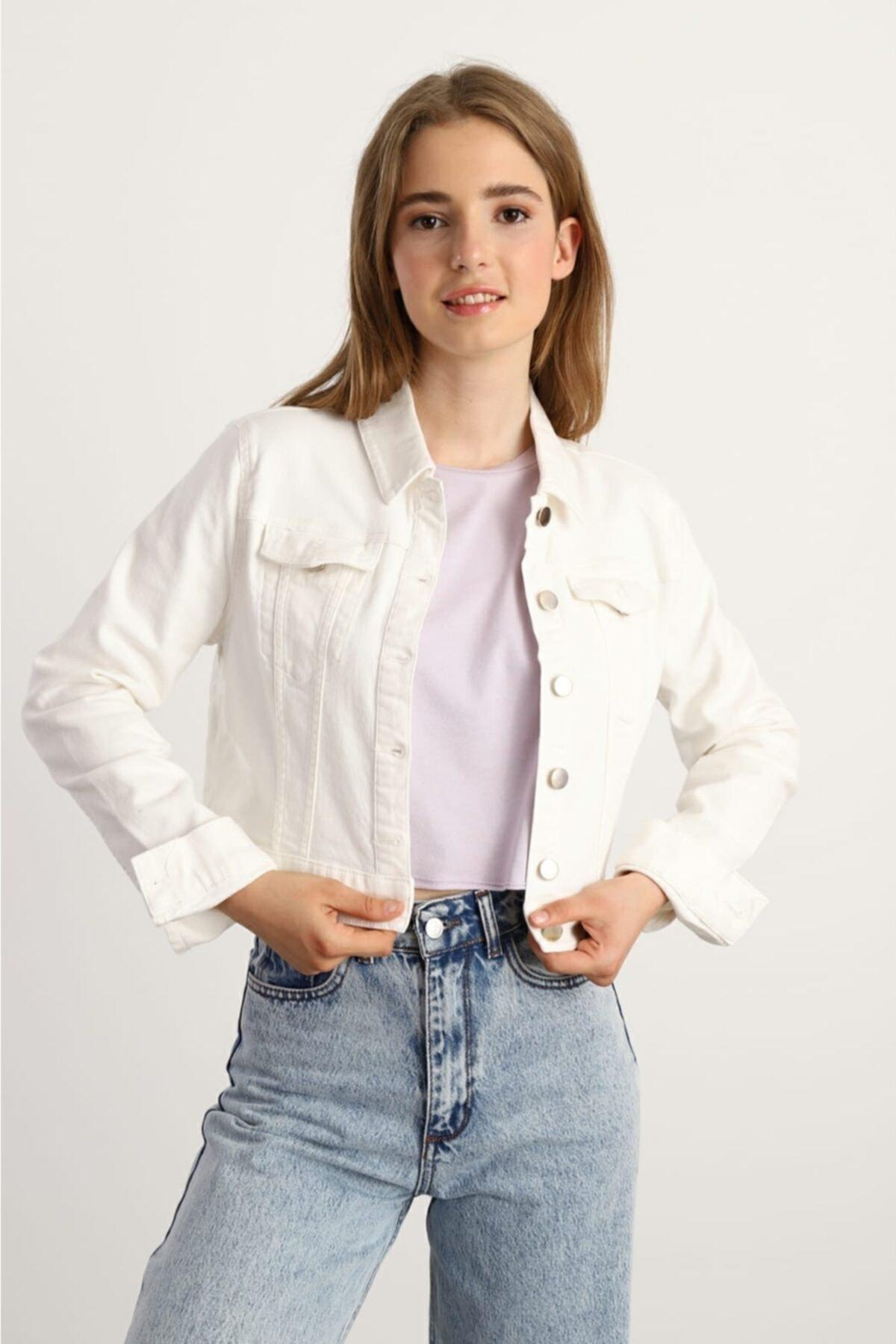 Kadın Beyaz Denim Crop Ceket
