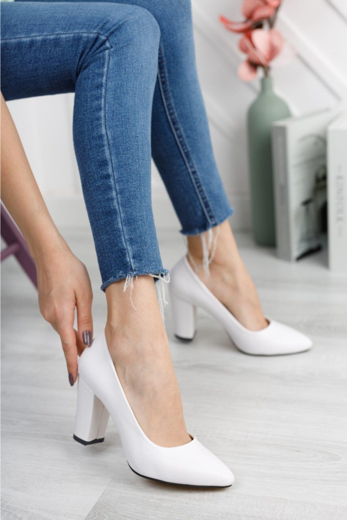 Kadın Beyaz Cilt Yüksek Kalın Topuklu Ayakkabı