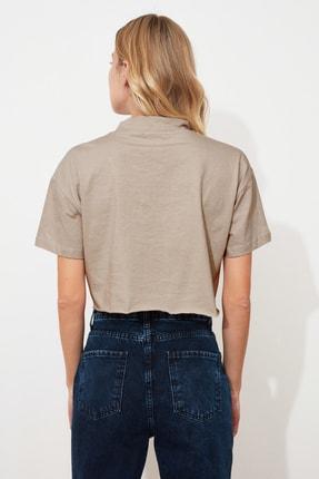 TRENDYOLMİLLA Taş Dik Yaka Crop Örme T-Shirt TWOSS20TS0287 3