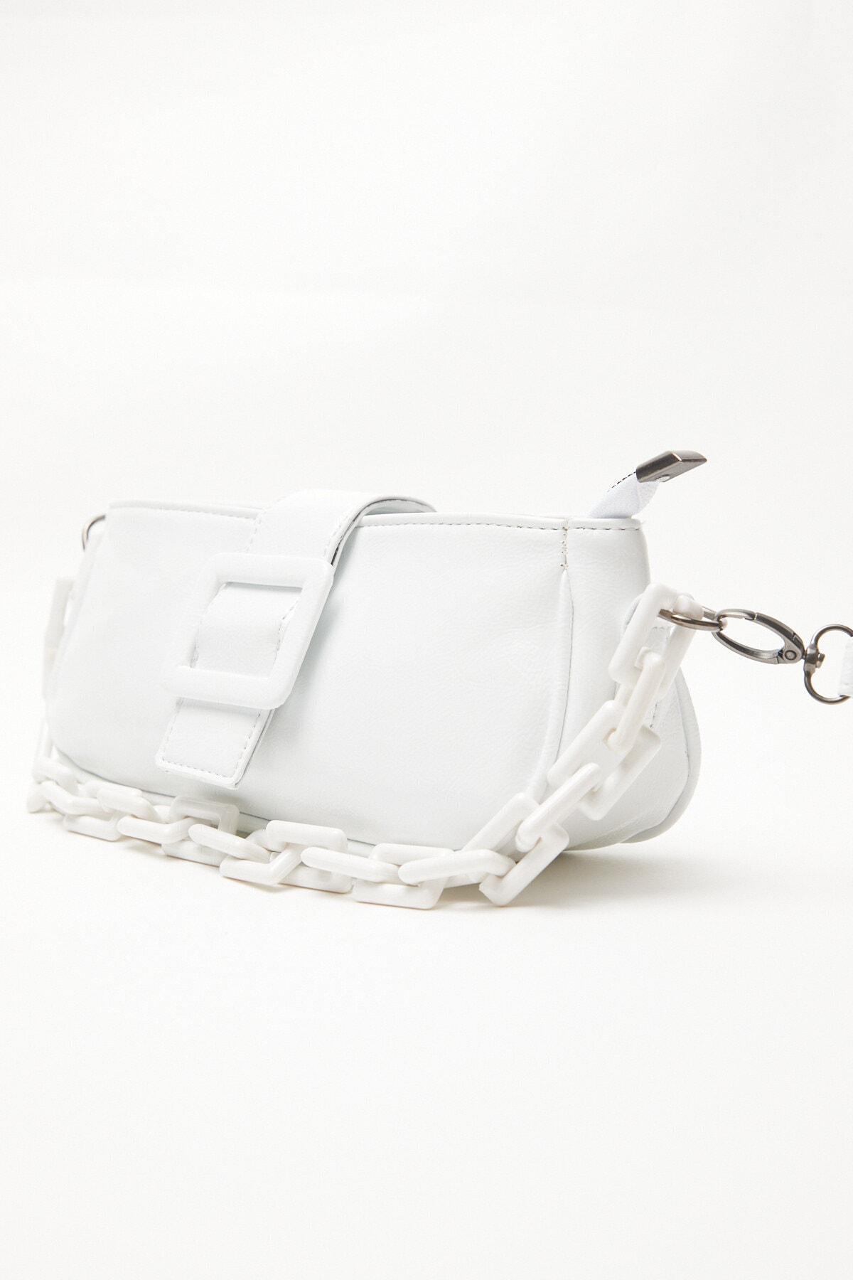 Kadın Tokalı Zincir Çanta Beyaz (BOYUTU KÜÇÜKTÜR)