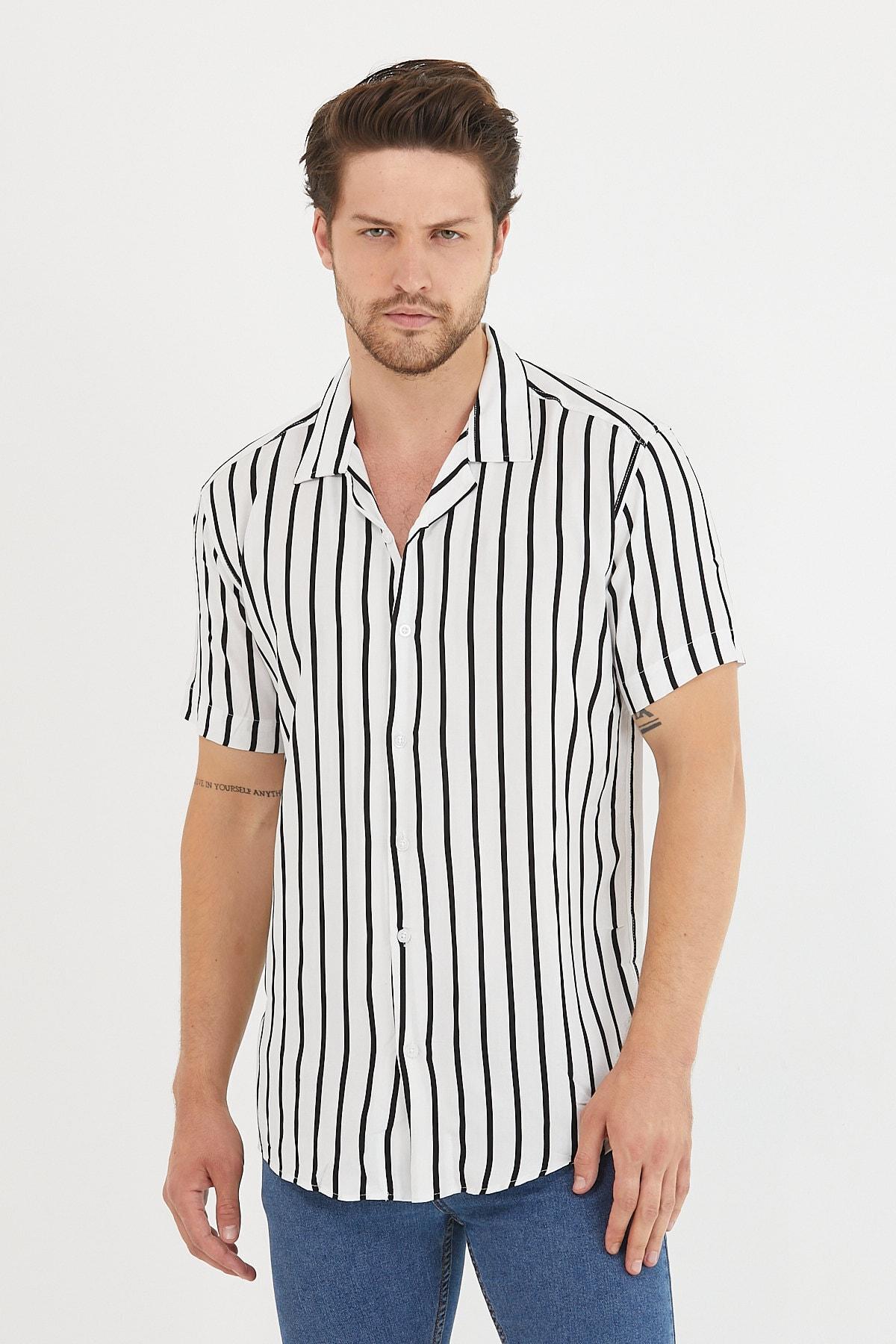 Erkek Beyaz Renk Siyah Şeritli Dökümlü Regular Fit Apaş Yaka Kısa Kollu Yazlık Viskon Gömlek