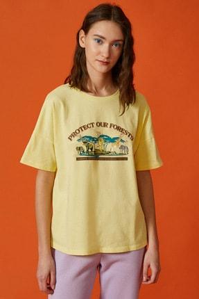 Koton Kadın Sarı Baskili Tisört 2