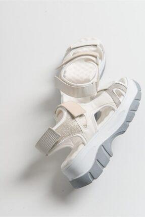 LuviShoes Kadın Beyaz Rugan Sandalet 3
