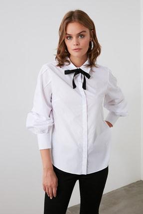 TRENDYOLMİLLA Beyaz Yakası Bağlama Detaylı Gömlek TOFAW19FG0043 2
