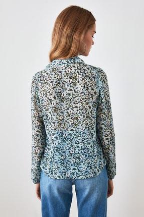 TRENDYOLMİLLA Mavi Çiçek Desenli Gömlek TWOSS20GO0292 4