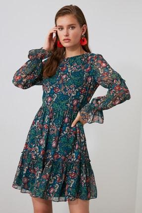 TRENDYOLMİLLA Çok Renkli Desenli Volanlı Elbise TWOAW21EL1780 2