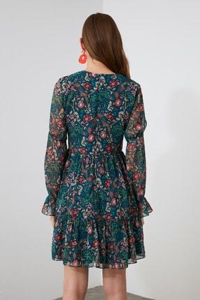 TRENDYOLMİLLA Çok Renkli Desenli Volanlı Elbise TWOAW21EL1780 4