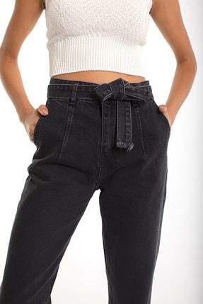 Denim Republic Kadın Siyah Kemerli Yüksek Bel Mom Jeans 3