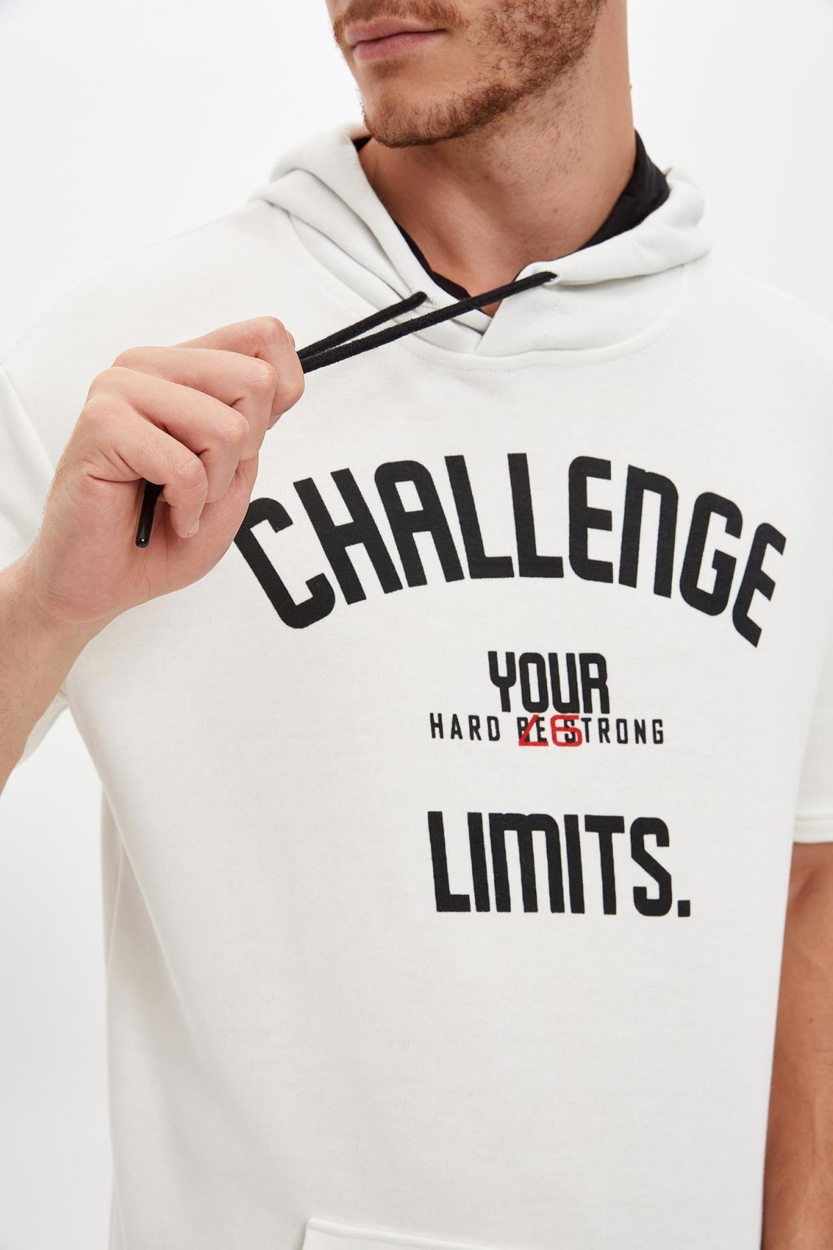 Defacto Kapüşonlu Kısa Kollu Regular Fit Sporcu Tişört 2