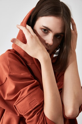 TRENDYOLMİLLA Tarçın Cep Detaylı  Basic Örme Sweatshirt TWOAW20SW0188 1