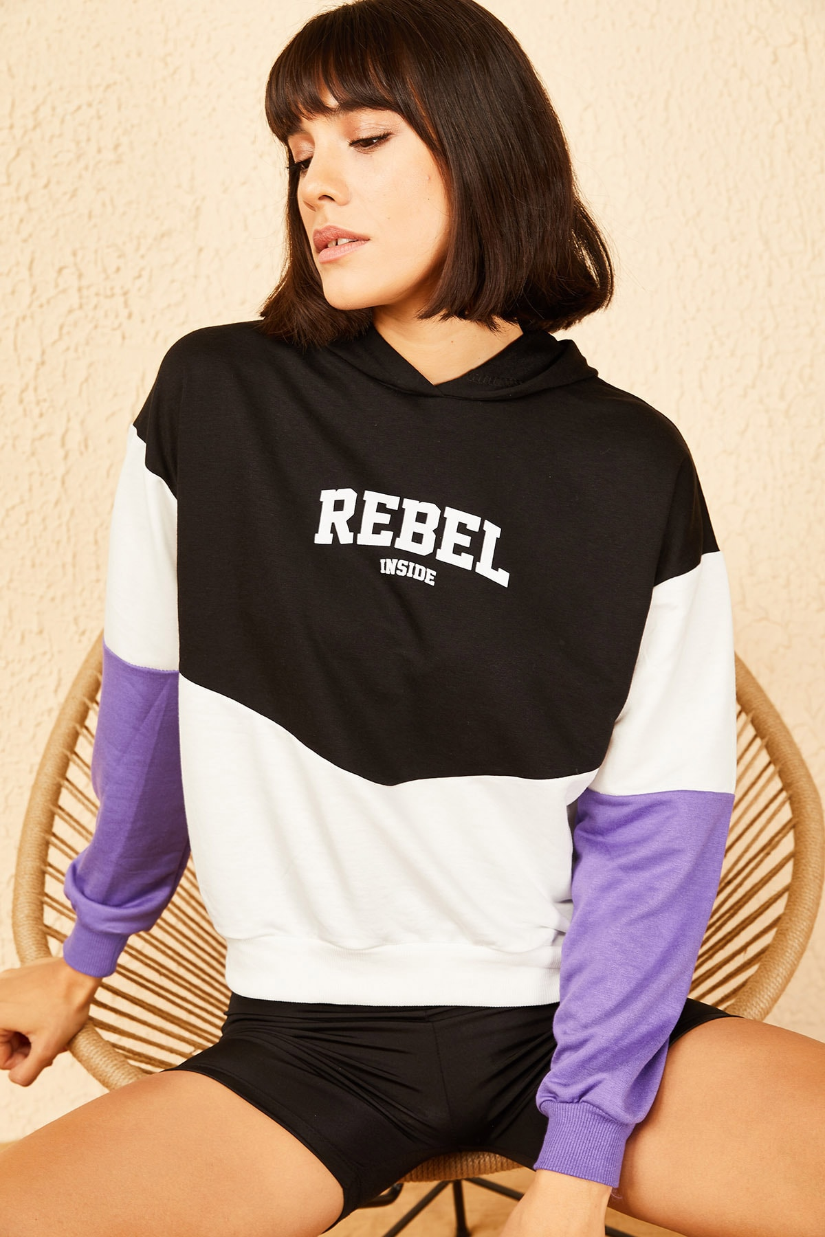 Bianco Lucci Kadın Lila Kapüşonlu Rebel Baskılı Sweatshirt 10141036 1