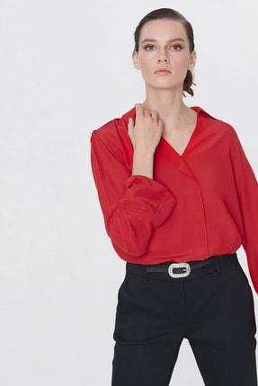 İpekyol Kadın Kırmızı Yaka Detaylı Bluz IS1200006093034 2