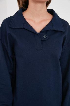 TRENDYOLMİLLA Lacivert Polo Yaka Düğme Detaylı Basic Örme Sweatshirt TWOAW21SW1039 2