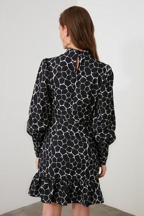 TRENDYOLMİLLA Siyah Dik Yaka Desenli Elbise TWOAW21EL1817 3