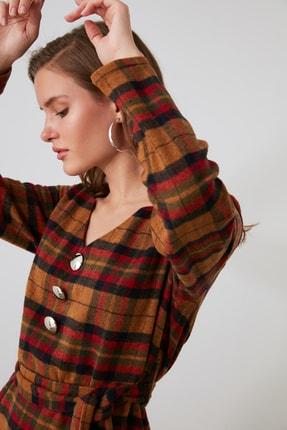 TRENDYOLMİLLA Çok Renkli Kuşaklı Kareli Elbise TWOAW21EL1752 1