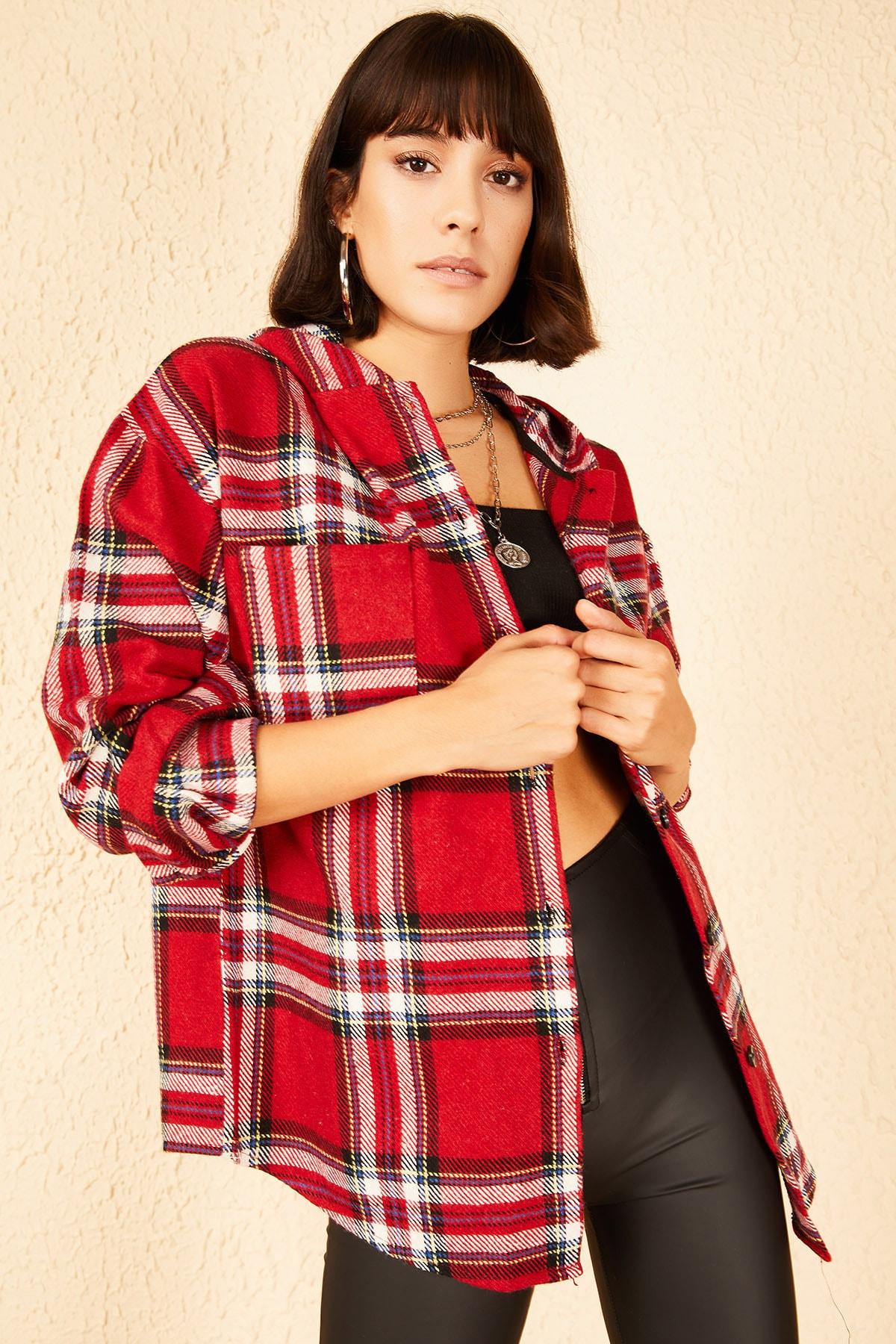 Kadın Kırmızı Cepli Kapüşonlu Kaşe Ceket 10141037