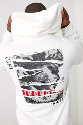 TRENDYOL MAN Beyaz Erkek Kapüşonlu Uzun Kollu Sırt Baskılı Sweatshirt TMNAW20SW0489 2